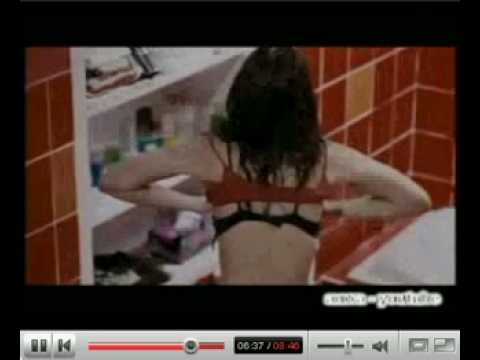 gratis download video - luna-maya-ganti-baju