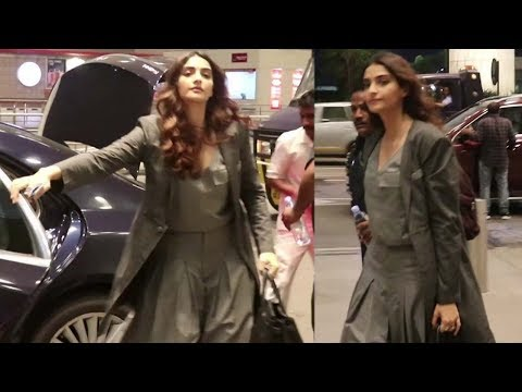 Sonam Kapoor Spotted At Mumbai Airport