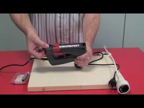 Klammern einlegen und Sicherheitsentriegelung - Novus J-105