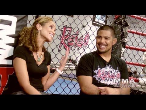 Mark Munoz vs Aaron Simpson Fight Preview