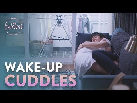 Jung Hae-in gets kicked out of bed, then cuddled awake | One Spring Night Ep 13 [ENG SUB]