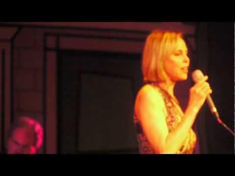 Tekst piosenki Connie Evingson - Canadian Sunset po polsku