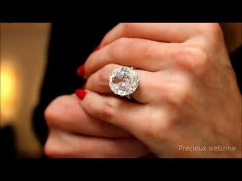 Diamond ring featuring a 10,42 carats diamond