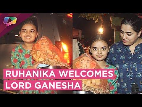 Yeh Hai Mohobatein Fame Ruhanika Dhawan Welcomes L