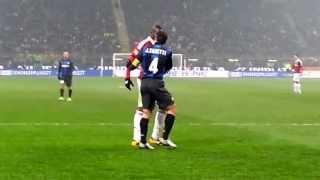 Video Mario Balotelli racially abused by Inter Milan MP3, 3GP, MP4, WEBM, AVI, FLV Juli 2018