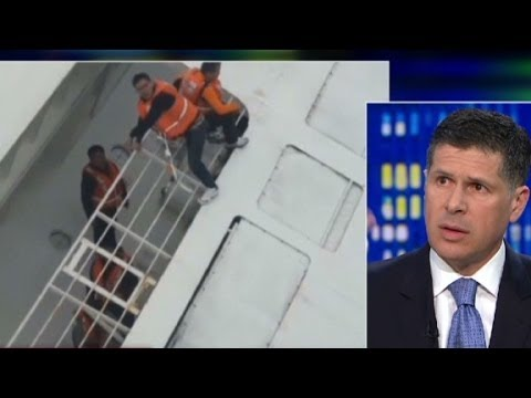 Korea - Attorney Mitchell Proner details the ways in which the Korea ferry disaster resembled the Costa Concordia's capsizing. More from CNN at http://www.cnn.com/ To license this and other CNN/HLN...