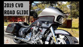 8. 2019 Harley-Davidson CVO Road Glide FLTRXSE in Lightning Silver and Charred Steel (+exhaust noises)