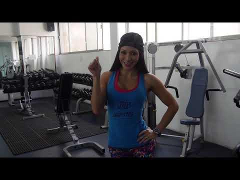 Cindy Villalobos entrena pierna a dos semanas del Mr. Olympia Amateur