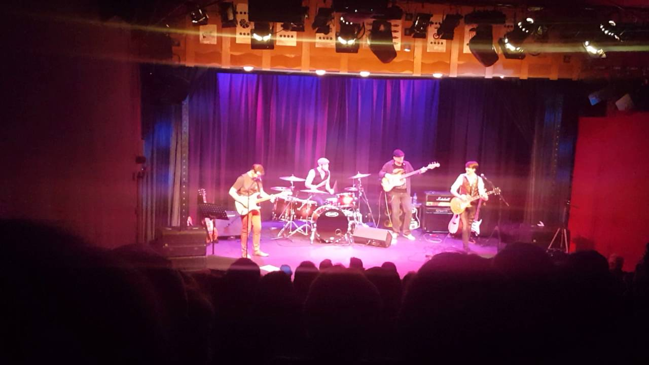sultans of swing – dire straights, Ron Sayer Jr, guitar legends show, the little theatre Sheringham