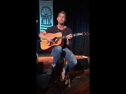 Video Brett Young -