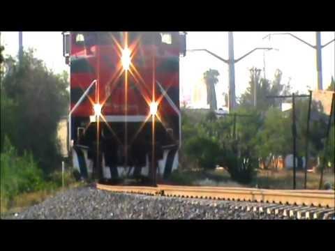 Ferromex: Distrito Tepic (T) Varios Trenes SD70ACe's, AC4400s y mas en Guadalajara Jal. 26-5-2013