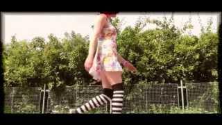 Video Pája Junek - Slunce, seno, lolitka.. (video 2011)
