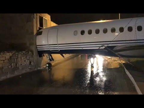 العرب اليوم - شاهد: طائرة أعمال خاصة تزور مكاتب شركة للبناء في مالطا