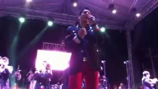 video y letra de Aunque sea por telefono (audio) por Banda Los recoditos