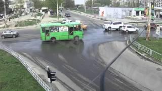 ДТП на перекрестке ул. Гвардейцев-Широнинцев — ул. Бучмы (20-04-2016)