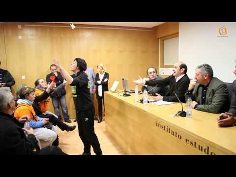Adianto do cara a cara entre os afectados polas preferentes e os responsables políticos do Val Miñor.