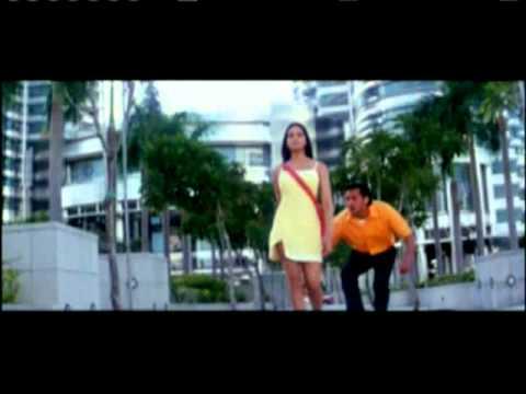 Video Kaan Ke Neeche Bajaa | Chor Machaaye Shor | Ft. Bipasha Basu, Bobby Deol download in MP3, 3GP, MP4, WEBM, AVI, FLV January 2017