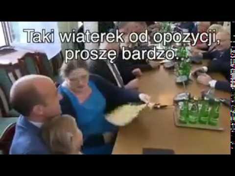 Krystyna Pawłowicz wachluje córkę posła PO