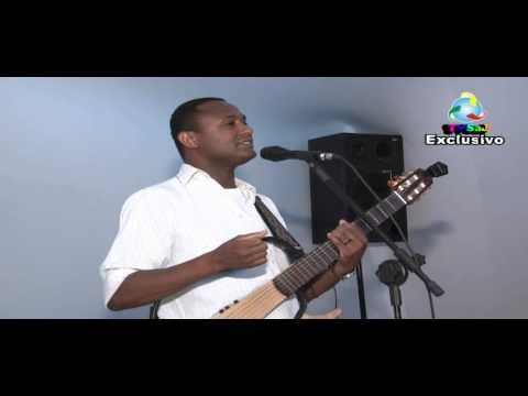 Levy Emmanuel, cantor, compositor, na jornada pedagógica em Muniz Ferreira, 18.02.13