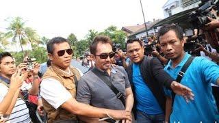 Nonton Kacau  Adegan Perkelahian Aa Gatot Di Film Azrax Ini Bikin Ketawa Film Subtitle Indonesia Streaming Movie Download