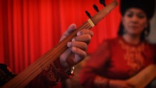 "Live perform in Bishkek Opera & Ballet Theater with Koomuz, Kyrgyz traditional string musical instrument. Performed by ""Door""..."