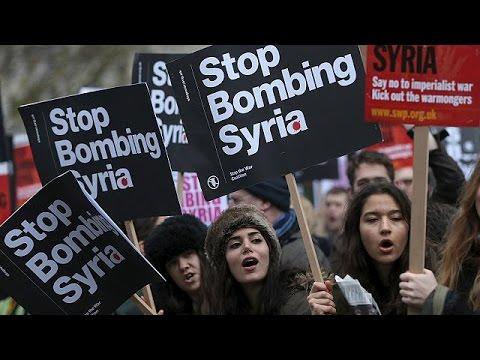 Λονδίνο: Διαδήλωση κατά των αεροπορικών επιδρομών στη Συρία