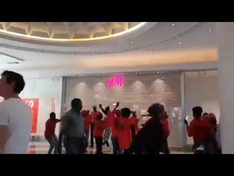 Βανδαλισμοί σε H&M στη Νότια Αφρική