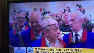 """Zamieszanie w hali Stoczni Gdańskiej na spotkaniu z MM.  Okrzyki """"złodzieje', 'misiewicze, pisiewicze', 'Wałęsa'"""