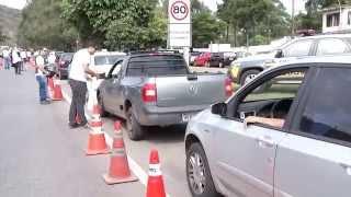 VÍDEO: Blitz educativa orienta motoristas na saída de Belo Horizonte para o Rio de Janeiro