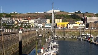 We arrived Saint Helier / Jersey by ferry. The sightseeing in the city center is well within walking distance. Importent are the central...