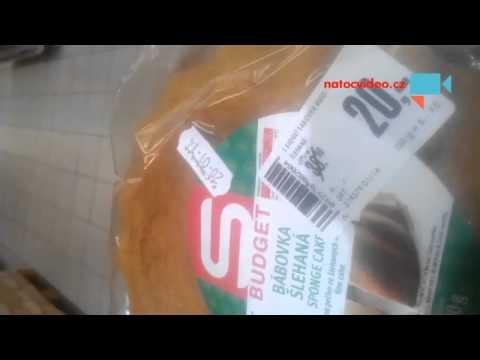 Sladke pecivo ve vyprpdeji s plisni