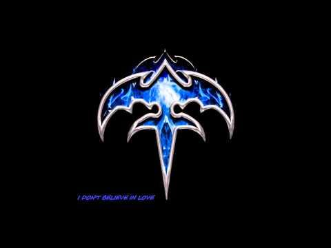 Tekst piosenki Dee Theodorou - I Don't Believe in Love (Queensrÿche cover) po polsku
