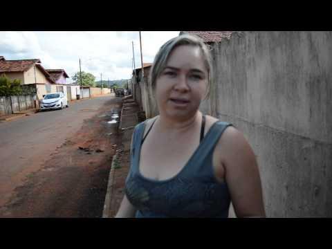 Moradores reclamam do serviço do esgoto em Rialma