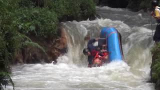 Video Rafting Pengalengan Cileunca Detik-Detik Perahu Terbalik  Di Jeram Domba MP3, 3GP, MP4, WEBM, AVI, FLV Januari 2019