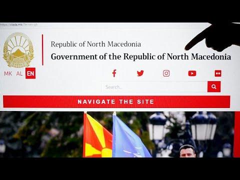Βόρεια Μακεδονία: Aλλάζουν πινακίδες, διαβατήρια και…αγάλματα!…