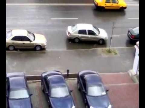 Smešni klipovi – žene vozači – kako parkirati auto?