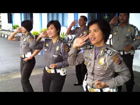 Ditlantas Polda Sulut Latihan lagu pelopor keselamatan lalu lintas