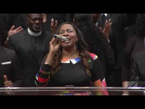 Singer Nia Allen Singing At West Angeles COGIC First Sunday August 2016 HD!