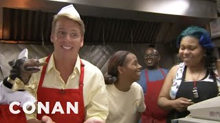 Jack McBrayer & Triumph Visit Chicago's Weiner's Circle - CONAN on TBS - YouTube