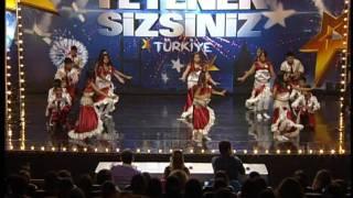 Yetenek Sizsiniz Türkiye - Kuşadası Genç Romanlar Dans Grubu - 28.01.2012