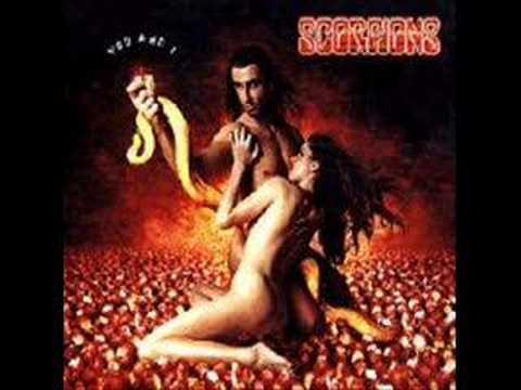 Tekst piosenki Scorpions - She's Knocking At My Door po polsku