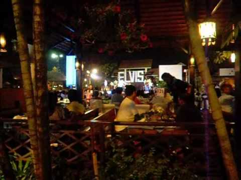Naughty massage, good music and gorgeous bar girls in Chiang Mai