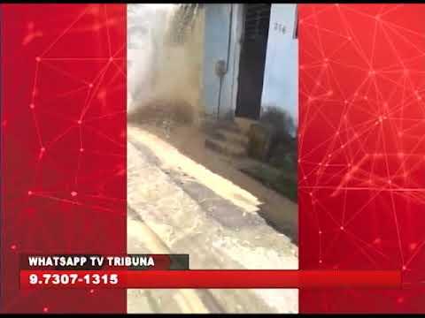 [BRASIL URGENTE PE] Enxurrada de água barrenta na rua do Côrte Mole, em Cavaleiro