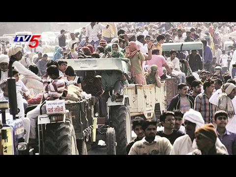 Video Haryana Jat Reservation Agitation: Protesters Block Traffic | TV5 News download in MP3, 3GP, MP4, WEBM, AVI, FLV January 2017