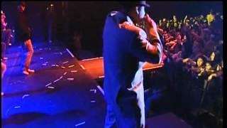 L.L. Junior - Csak játszik (Koncert felvétel)