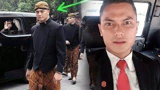 Video Terungkap Identitas Paspampres Tampan Pakai Beskap di Pernikahan Putri Jokowi, Siap-siap Patah Hati! MP3, 3GP, MP4, WEBM, AVI, FLV Februari 2018