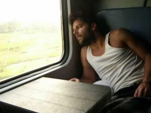 Entre el amor y los halagos - Ricky Martin