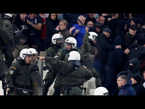 Σοβαρά επεισόδια στον αγώνα ΑΕΚ – Άγιαξ