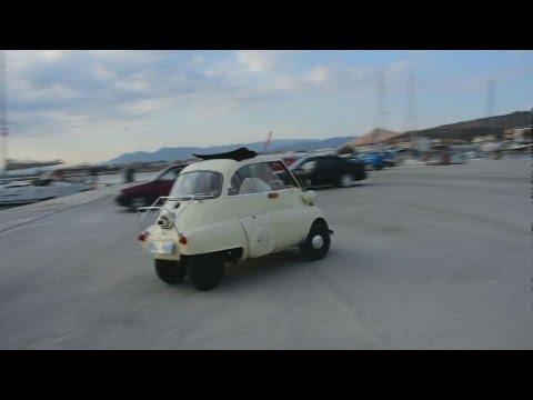 Εντυπωσιάζει το πιο μικρό αυτοκίνητο στο Ναύπλιο