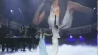 "Michelle Williams gets STANDING OVATION @ Soul Train Awards, 2004 for ""Do You Know"" Live Performance - YouTube"